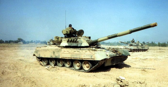Pakistan-Army-T-80UD-tank