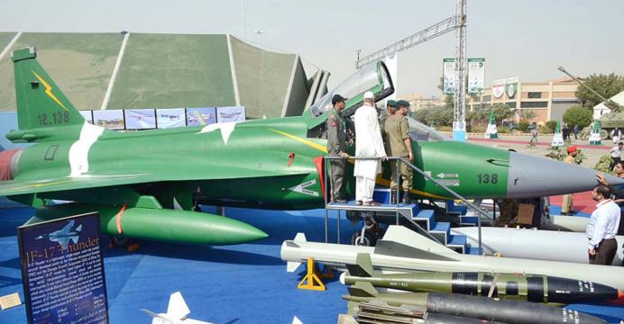 نيجيريا تؤكد قرب استلامها لثلاثه مقاتلات JF-17 من باكستان  JF-17-35-APP-692x360